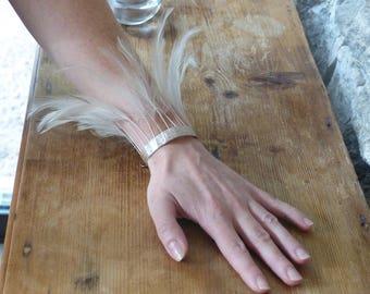 "Ribbon fringe bracelet beige feathers ""Cheyenne"""