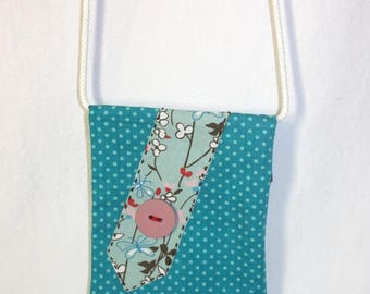 Shoulder bag with polka dots and flowers