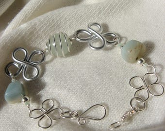 "Bracelet ""The color of the Undines"" clover green aventurine"
