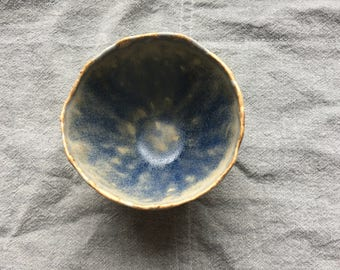 Bowl-white spots/blue