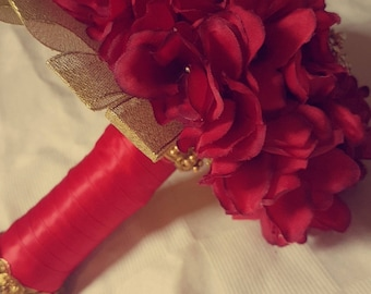 Traditional Red Bouquet | Wedding Glam
