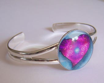 Glass cabochon purple heart bracelet