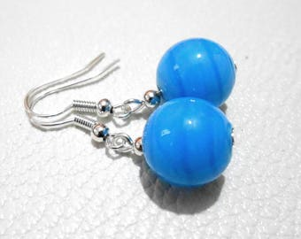 Earrings minimalist Pearl turquoise bead