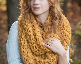 Large infinity scarf