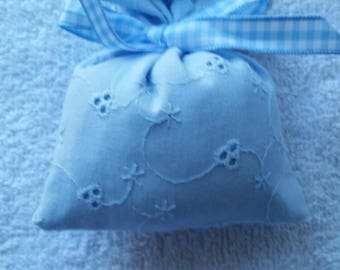 Double woven favor bag with ribbon