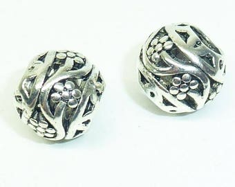 Round flower PM501 pattern metal bead