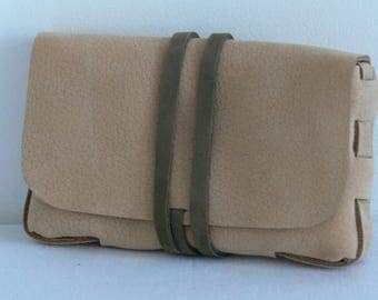 Tobacco pouch in Tan nubuck leather