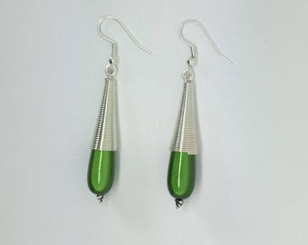 Dangle drop earrings Green