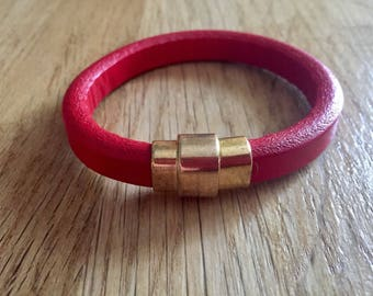 Red regaliz leather bracelet