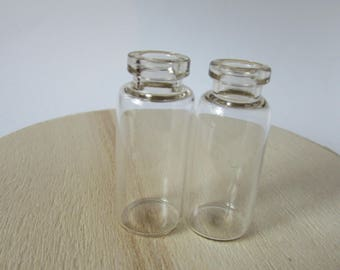 Set of 2 glass vials and corks plastic ideal for jewelry