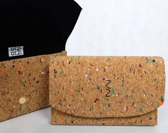 Clutch in colorful Cork - black lining