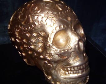 Gold decorative carved skull