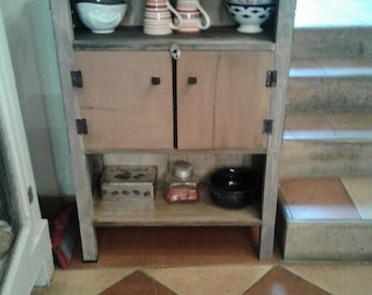 Vintage kitchen shelf.