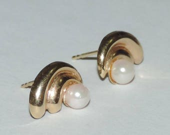 Vintage 14k Yellow Gold 4mm Akoya Pearl Earrings 0.46 Grams 10mm or 3/8