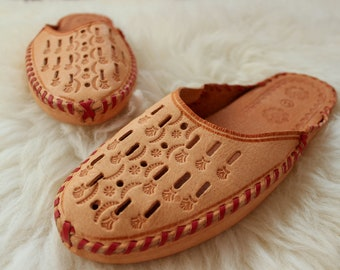 LEATHER slippers Natural moccasins for men Brown boho ethnic bohemian style boots Handmade home shoes Hand crafted footwear gift natural