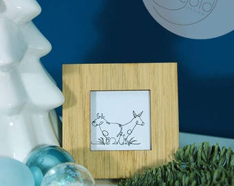 Crib, ox and donkey, miniature frame with art print for hanging or standing, black-white or black-gold, 7x7cm