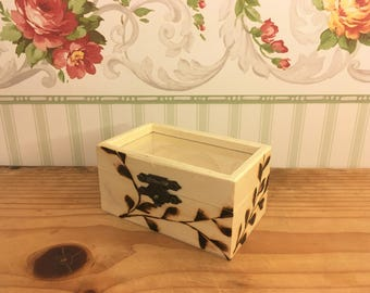 Hand burned wooden gift/jewelry box. unique spring design. #roseboxbyreka