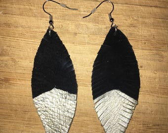 Dipped Leather Feather Earrings (M)