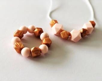 Girls beaded necklace / bracelet / gift pack