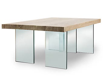 "Coffee table ""Natur""/Coffee table ""nature"". Solid oak, legs of 19 mm thick glass."