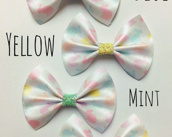 Pearlized bunny bow with purple center