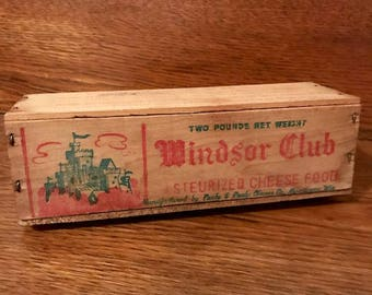 Windsor Club 2lb Wooden Cheese Box