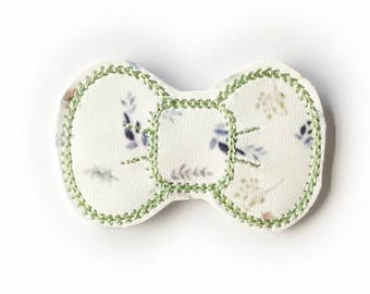 Mint Floral Embroidery Bow Snap Clip - Faux Leather - Snap Clips - 50mm Clips - 2.5 inches - Embroidery Bow - Hair Bows