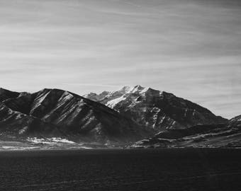 Black/White mountain landscape (Digital download)