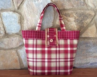 Tote bag in red plaid with a tab closure, large tote bag