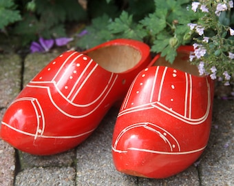 Darling Vintage Dutch Wooden Clogs, Handpainted Red Wooden Shoes, Size 21/5.5, Great Home Decor