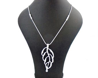 """Unusual Shiny Silver Leaf Pendant Necklace Long 32"""" Chain"""