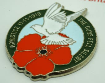 WW1 Armistice 1918 The Guns Fell Silent Dove Design Enamel Remembrance Day Badge