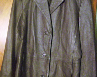 Beautiful womens leather coat, size S/M
