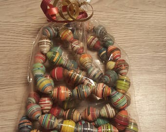 Multicolored paper beads necklace