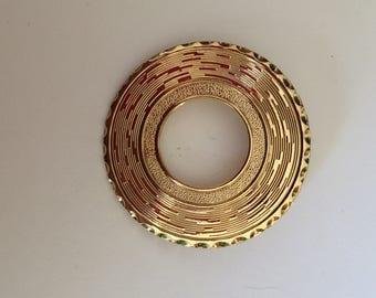 Goldtone circle scarf clip