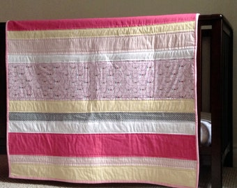 Nursery decor, Baby Quilt, Baby Shower gift, Baby girl, Mice and hearts