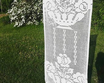 Large White Cotton Lace Runner. Vintage Hand crocheted cotton table runner. Romantic long cotton table runner.