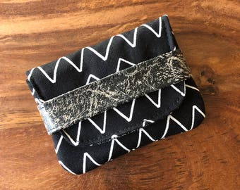 Card Case - Black Organic Lines and Shapes