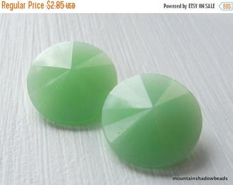 50% OFF Sale 2 Matubo Crystal Rivoli 14mm Green Alabaster