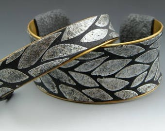 Leaves. Polymer and brass cuff bracelet