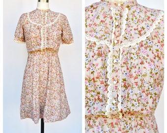 tiny floral boho VICTORIAN style dress / (xs-s)