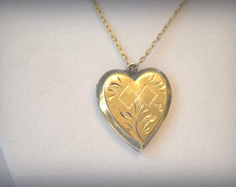 Vintage Gold Locket, Heart Locket, Gold Fill Locket, DOREL Locket, 1940's Heart Locket, Gold Heart Locket, Floral Etched Locket