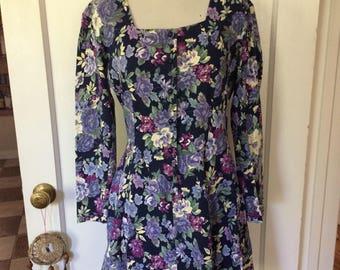 Vintage women's 1980's/90's grunge floral boho dress. Size small