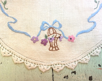Vintage Embroidered Doily with Crocheted Edge