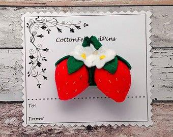 Felt Strawberry hair clip, Handmade Felt Padded Strawberries hair clip. alligator clip, Barrettes, Strawberry hair clip