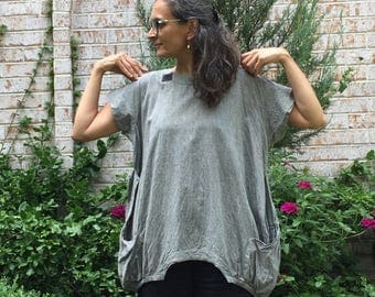 Gray Cube Tunic - plus size - fits M-2X - loose fitting oversized big pocket cotton tunic, fair trade, asian style top, tunic shirt women