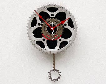 upcycled bike lover gift, Recycled Bike Gear clock, Record Clock, bike gift, bicycle birthday gift, unique gift idea, industrial design gift