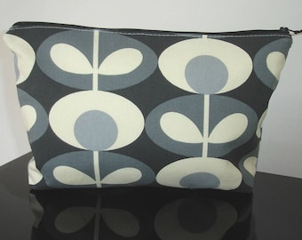 Zipped Padded Toiletries Underwear Purse Pouch Orla Kiely Oval Flower Cool Grey Large Cosmetic Bag Washbag