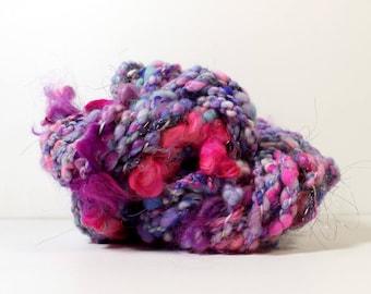 round and round .. art yarn, hand spun yarn, handspun art yarn, wool yarn, boucle yarn, bulky yarn, handspun wool yarn