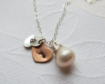 ON SALE Mother Necklace - Mom to Be Necklace - Personalized - Baby Foot - Initial Necklace Grandmother Gift, Baby Shower Favors